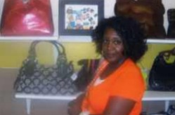Success Stories - Purses Plus--A Successful Business In The Bag